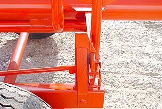 Orange Ox - Orange Ox Self Un-loading Hay Trailers - Rear Latch