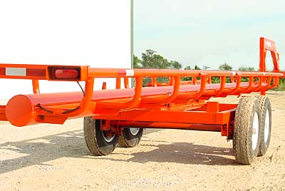 Orange Ox - Orange Ox Self Un-loading Hay Trailers - Notice the five foot wide main frame, constructed of 3� X 5� X �� box tubing. A bigger, stronger frame.